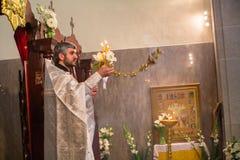 Świętowanie Ortodoksalna wielkanoc w parafii Sainted Nowi spowiednicy Rosja i męczennicy Zdjęcia Royalty Free