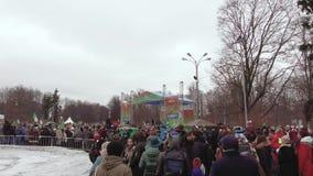 Świętowanie St Patrick dzień w Moskwa parku Sokolniki zbiory wideo
