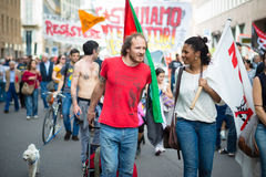 Świętowanie trzymający w Mediolan na 25 2014 Kwietniu wyzwolenie Zdjęcia Royalty Free