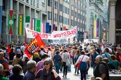 Świętowanie trzymający w Mediolan na 25 2014 Kwietniu wyzwolenie Fotografia Royalty Free