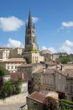 Święty Emilion, bordowie/Francja - 06 19 2018: Bordoski wino wysyła winnicę świętego unesco grodzcy południe za zachód od Francja Zdjęcie Stock