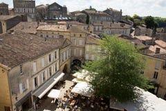 Święty Emilion, bordowie/Francja - 06 19 2018: Bordoski wino wysyła winnicę świętego unesco grodzki widok z lotu ptaka Bordeau Obraz Royalty Free