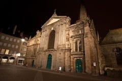 święty katedra przy nocą-- Brittany, Francja Obraz Stock