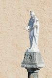 Święty Mary i Jezusowa marmurowa statua na starej kolumnie Zdjęcia Royalty Free