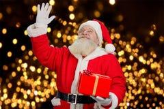 Święty Mikołaj falowanie z ręką Zdjęcia Royalty Free