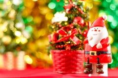 Święty Mikołaj figurka z choinką Zdjęcie Stock
