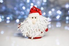 Święty Mikołaj lub ojciec Oszroniejący z bożonarodzeniowe światła Obrazy Stock