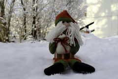 Święty Mikołaj na śniegu ogródzie Zdjęcie Stock