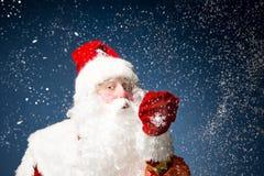 Święty Mikołaj na błękitnym tle Obrazy Stock