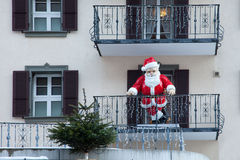 Święty Mikołaj na balkonie w Szwajcaria, Zdjęcie Stock