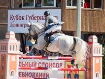 ŚWIĘTY PETERSBURG-JULY 06: Jeździec maksyma Kryna na pretendencie 37 wewnątrz Fotografia Royalty Free
