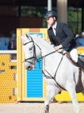 ŚWIĘTY PETERSBURG-JULY 06: Jeździec MAtas Petraitis na Cattio w Fotografia Stock
