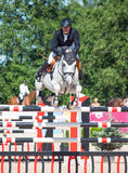 ŚWIĘTY PETERSBURG-JULY 06: Jeździec Mikhail Safronov na Copperphild Obraz Royalty Free