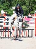 ŚWIĘTY PETERSBURG-JULY 06: Jeździec Mikhail Safronov na Copperphild Fotografia Royalty Free