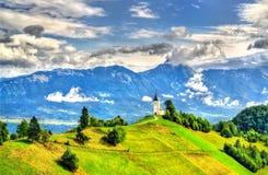 Święty Primus i Felician kościół w Jamnik wiosce, Slovenia obraz stock