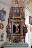 Święty serce Jezusowy ołtarz w kościół święty Martin w Martinska Ves, Chorwacja Obrazy Royalty Free
