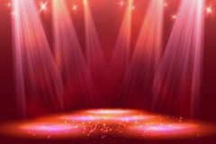Światła reflektorów na scenie z dymu światłem Zdjęcia Royalty Free