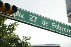 Światła ruchu i ruchu drogowego znak dla 27 De Febrero alei, Villahermosa, Tabasco, Meksyk obraz royalty free