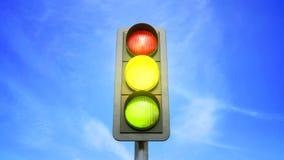 Światła ruchu koloru zmiana od czerwieni w kolorze żółtym i zieleni royalty ilustracja