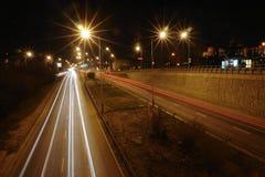 światła ruchu miejskiego nocy Fotografia Royalty Free