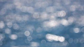 Światła słonecznego lśnienie na wodnej powierzchni z bliska zbiory wideo