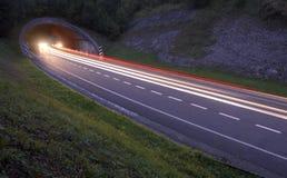 Światła samochody na drodze tunel zdjęcie stock