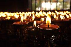 światło świece Złoty światło świeczka płomień Zdjęcia Stock