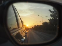 Światło i cień odbijamy sposób życia na ulicie obrazy stock