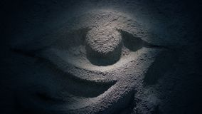 Światło połysk na antycznym kamiennym oka cyzelowaniu zbiory