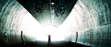 Światło przy końcówka tunel zdjęcia royalty free