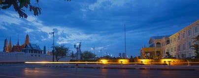 Światło przy nocą w mieście zdjęcia royalty free