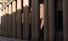 Światło - różowa kolumnada obraz stock