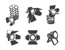 Światło reflektorów na przejrzystym tle Jaskrawy oświetlenie z światłami reflektorów Światło reflektorów iluminuje scenę ilustracji