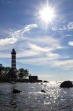 Światło słoneczne nad latarnią morską St Petersburg zatoka finlandia Zdjęcie Stock