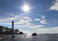 Światło słoneczne nad latarnią morską St Petersburg zatoka finlandia Zdjęcia Royalty Free