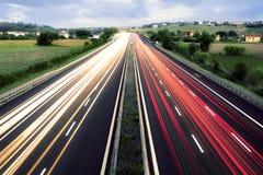 Światło Wlec Krzyżować Górkowatego krajobraz, marsze, Włochy Zdjęcie Stock