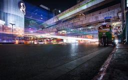 Światło wlec na Erawan świątyni tle w Ratchaprason Zdjęcie Royalty Free