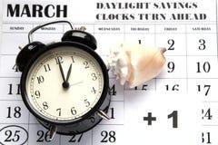 Świateł dziennych Savings Skaczą Przednia Niedziela przy 1:00 a M Obrazy Stock