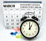 Świateł dziennych Savings Skaczą Przednia Niedziela przy 1:00 a M Zdjęcia Royalty Free
