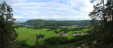 Światopogląd na rolniczym krajobrazie od góry Krokvaag w Szwecja obrazy stock