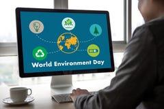 Światowego środowiska dnia ziemi kuli ziemskiej ekologii drzewo i zieleń liść w Obrazy Royalty Free