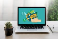 Światowego środowiska dnia ziemi kuli ziemskiej ekologii drzewo i zieleń liść w Zdjęcie Stock