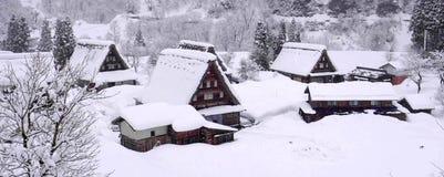 Światowego Dziedzictwa miejsca Shirakawago wioska i zimy iluminacja zdjęcie royalty free