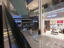 Światu Wielki centrum handlowe Dubaj UAE Luty 2019, Dziewięć - Zachodni sklep wśrodku Dubaj centrum handlowego - fotografia stock