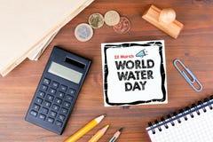 Światu Wodny dzień, 22 Marzec Biurowy biurko z materiały, mapy i komunikaci tłem, Obraz Royalty Free