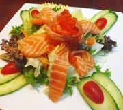 Świeża łososiowa sałatka, Zdrowy jedzenie, Czysty jedzenie Zdjęcia Stock