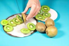 Świeża kiwi owoc na tle Zdjęcie Stock
