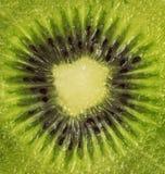 Świeża kiwi owoc pokrajać odizolowywającą obrazy stock