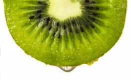 Świeża kiwi owoc pokrajać odizolowywającą Obraz Royalty Free