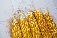 Świeża kukurudza na stołu zakończeniu up Obraz Royalty Free